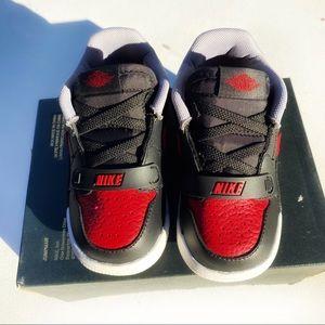 Nwot Jordan Legacy 312 low sneakers sz 7c